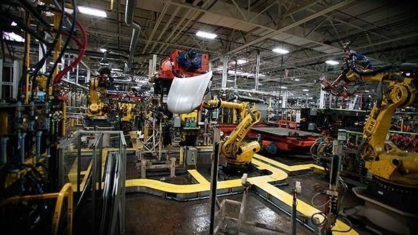 A peine arrivée à la maison blanche Trump met en garde les constructeurs automobiles (Nissan Fiat General Motors et Ford Motor Company )  qui construisent leurs voitures au Mexique afin de les vendre sur le marché américain ! ils devront payer de LOURDES taxes - http://facebook.com/rlwonderland
