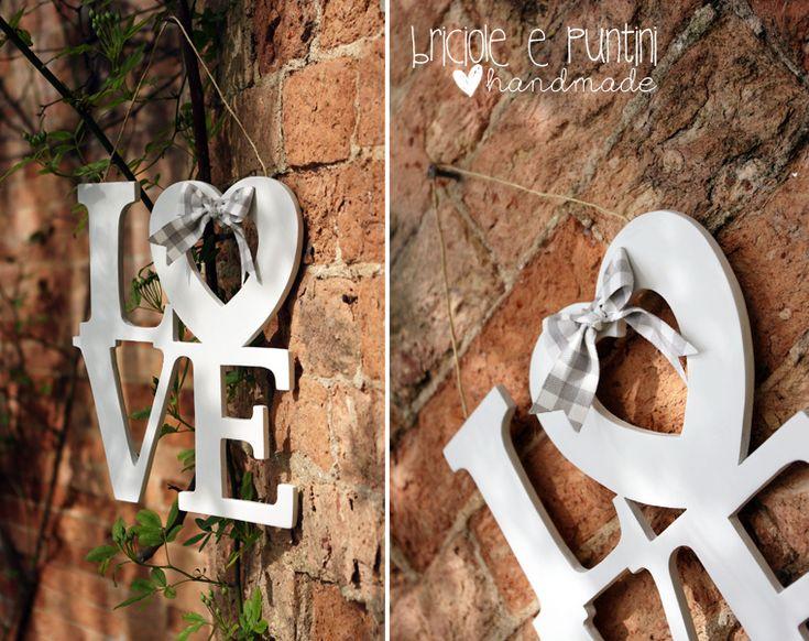 Briciole e Puntini: Love, scritta in legno