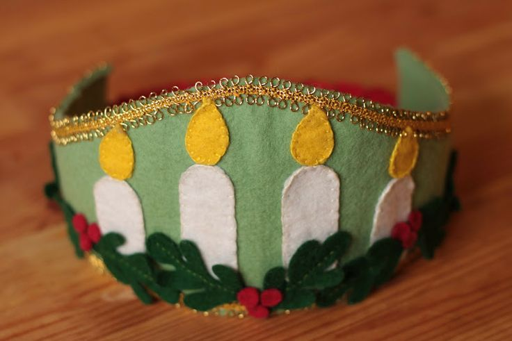 Santa Lucia - it doesn't have directions for this crown.  I wonder if I could just do it.