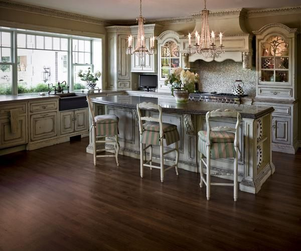traditional island style kitchen cabinets kim dacier and executed by builder and habersham kitchen and bath dealer ed tarca of e - Habersham Cabinets Kitchen