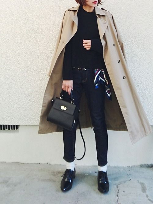 黒ニット×インディゴデニムの シンプルコーデに、 スカーフをプラス ニット…ユニクロ デニム…