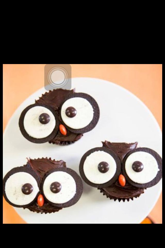 Owl cupcakes...a great idea for a Jewelry Bar Treat!