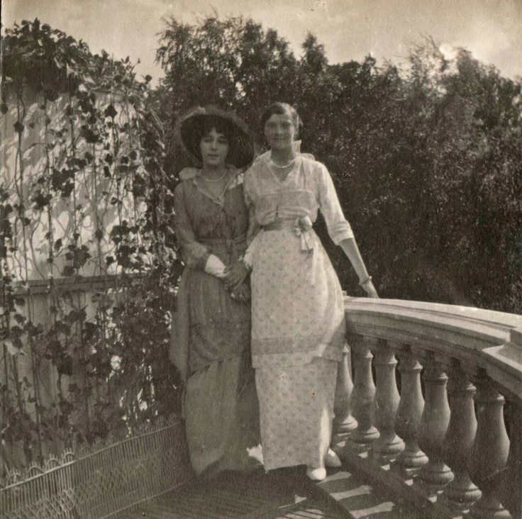 Grand Duchess Tatiana Romanov and friend, Peterhof, July 1914