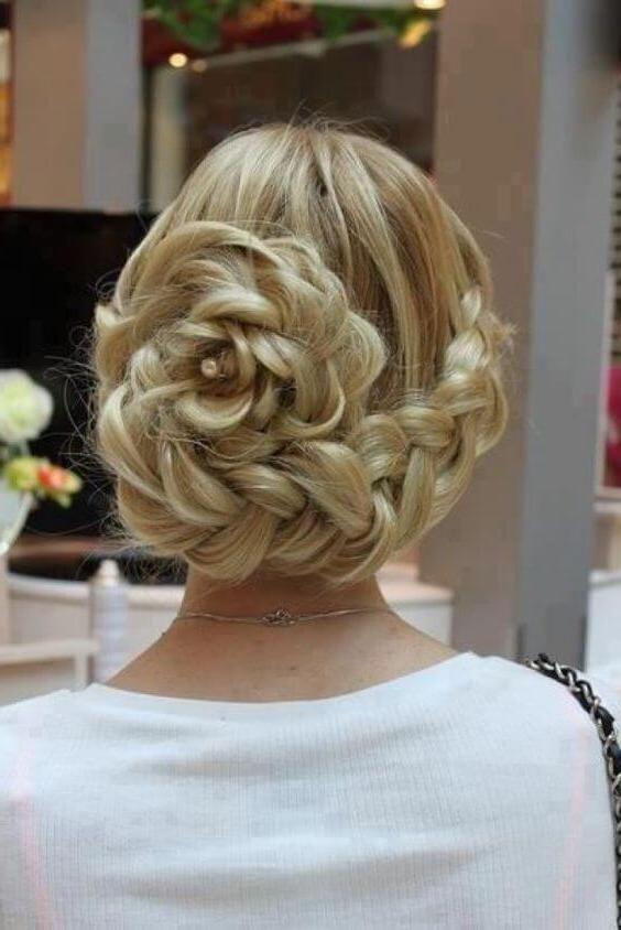 Aprende como hacer peinados fabulosos con flores | Los Peinados