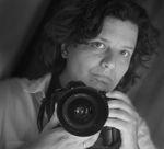 Anneke Bloema (1973) heeft sinds 2001 een eigen bedrijf: The Factory 2. Zij schildert en fotografeert en houdt regelmatig exposities. Zij werkte(e) onder meer voor: De Krant van Midden-Drenthe, Welzijn Midden-Drenthe, Marketing Drenthe, Gemeente Midden-Drenthe,   Adviesraad Minimabeleid Midden-Drenthe, De Buurtacademie, Drenthe Magazine (UIT producties), Vacansoleil en VVV-Drenthe.