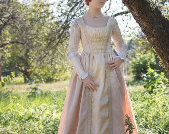 Renaissance fairy costume  fantasy wedding dress  #fairy_dress #renaissance_fair #wedding #Bridal_Gown #fantasy_costume #removable_sleeves #fairy_wedding #cream_dress #jacquard #renaissance_dress #16th_century_dress #medieval_costume #Italian_Renaissance