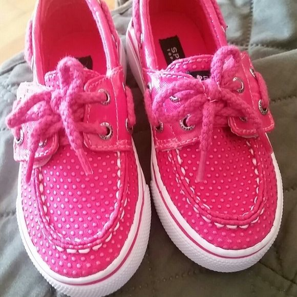 **nEVER WORN TODDLER GIRL SPERRYS Brand NEW. selling for a friend. Size7 Sperry Top-Sider Shoes