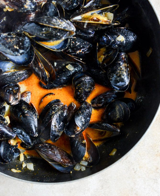 coconut curry mussels I howsweeteats.com
