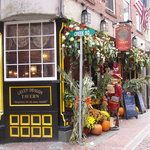 Union Oyster House, Jacob Wirth, Amrheins are some of the Oldest Bars in Boston