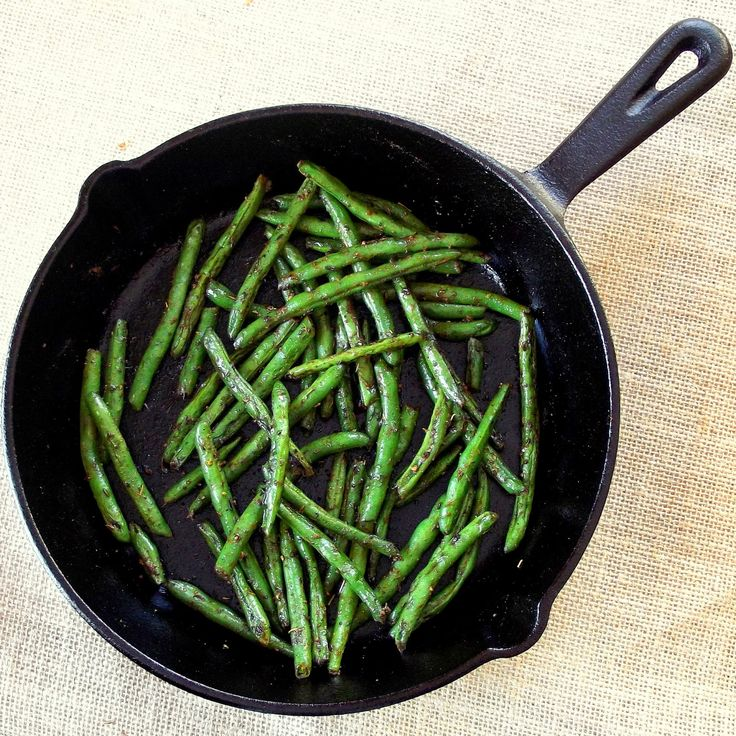 Connoisseurus Veg: Blackened Green Beans