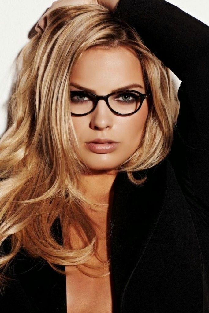 Margot Robbie - geek chic