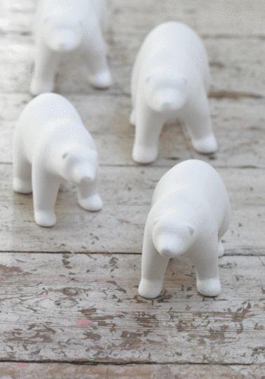 White polar bear family