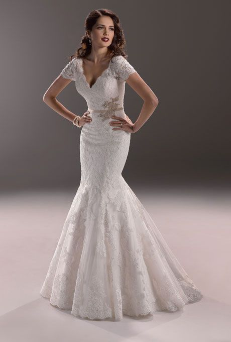 The 24 best Wedding Dresses for Hourglass shape images on Pinterest ...