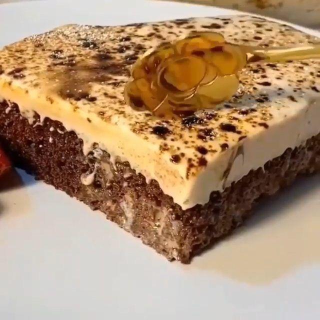 Mariam On Instagram ماتنسو تتابعو حسابي F O O Db كيكة الكابتشينو طعم غني بنكهة القهوه المقادير كوب من خليط كيك ش Desserts Food Hot Drink