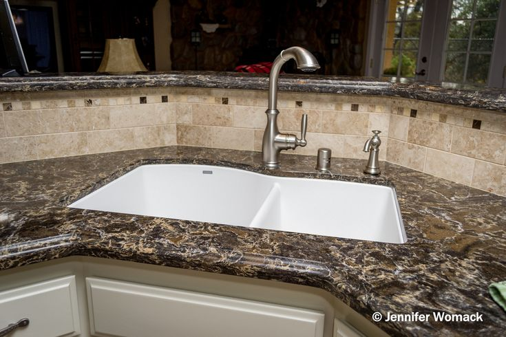 Cambria Laneshaw 2cm Quartz Ogee Edge Detail Backsplash