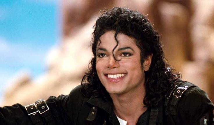 Michael Jackson'ın evinden çıkanlar şok etti! Michael Jackson'ın California Santa Barbara'daki Neverland Çiftliği'nde, çok sayıda pornografik içerik bulunduğu belirtildi. Detaylar ajanimo.com'da.. #ajanimo #ajanbrian