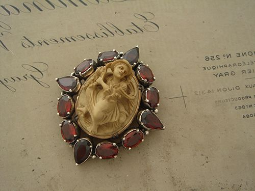 ZORRO Order Collection - Brooch - 049