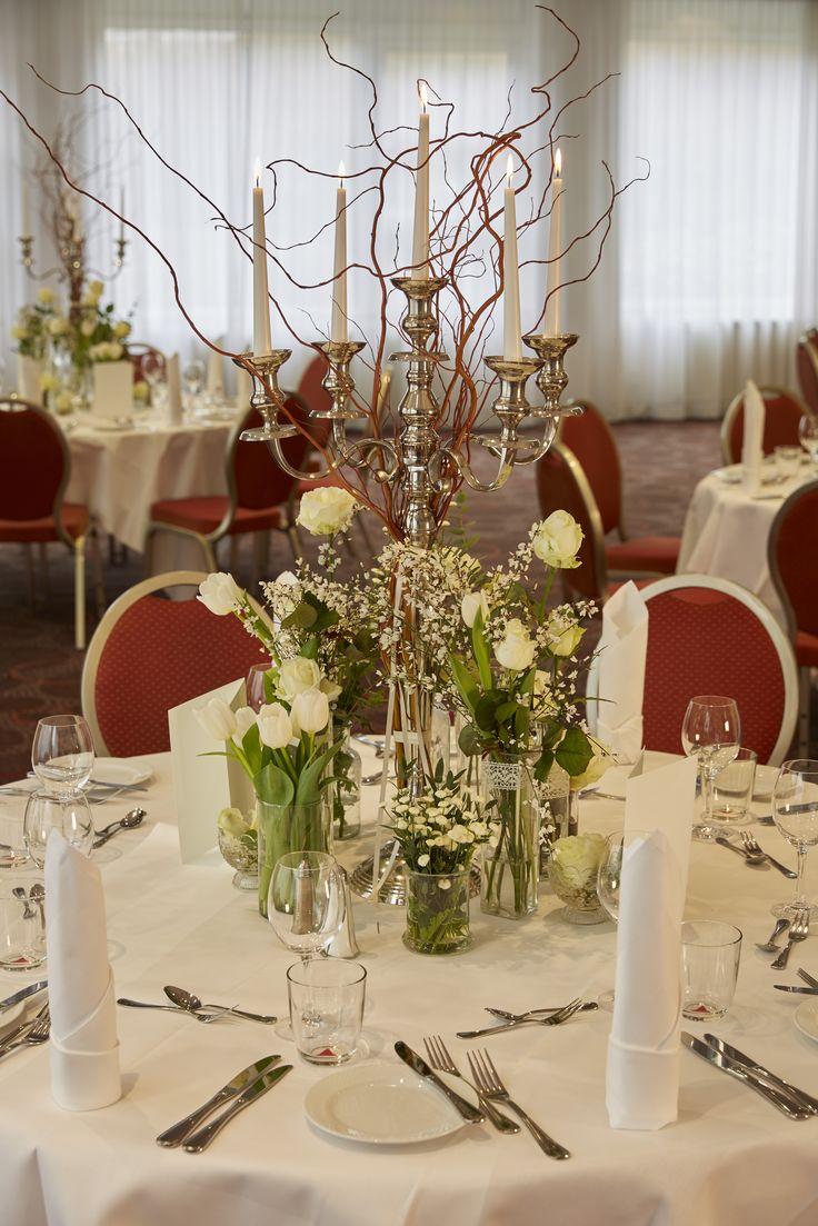 Eine tolle Tischdekoration - passend für Hochzeit oder andere festliche Feierlichkeiten. Das Team vom RAMADA Hotel Micador Wiesbaden Niedernhausen steht mit Rat und Tat zur Verfügung.