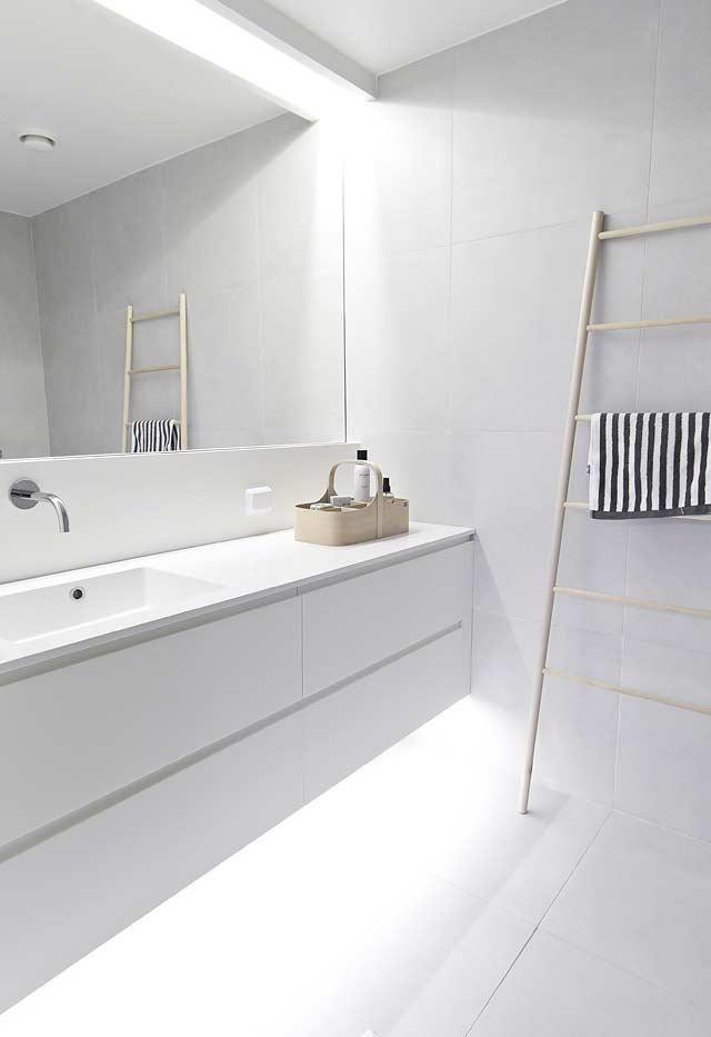 Badezimmerschrank 65 Tipps Zum Organisieren Und Dekorieren Neues Badezimmer Badezimmer Design Und Badezimmer