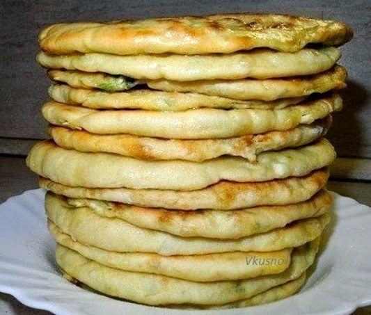 Кулинарные рецепты : Хачапури с сыром и яйцом