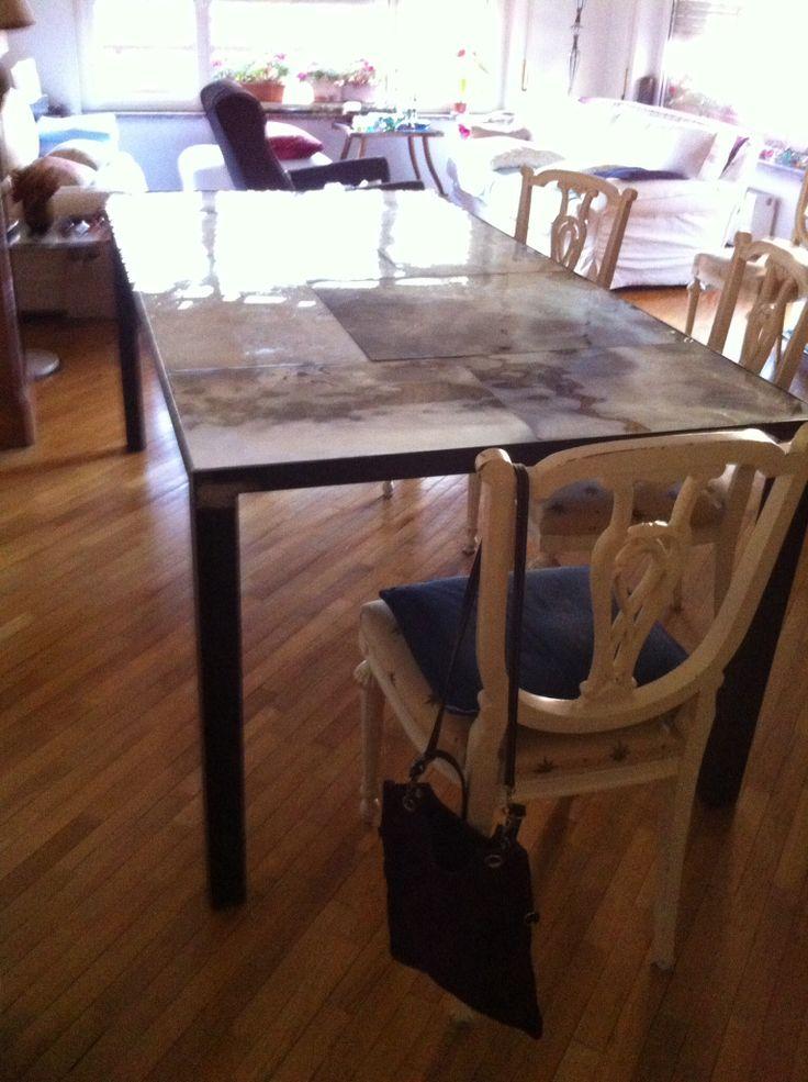 Tavolo con piano in vetro piombato