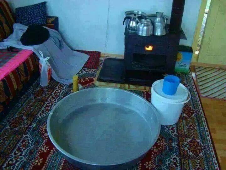 Sıcacık sobanın yanında yıkanmak ne de keyifliydi☺