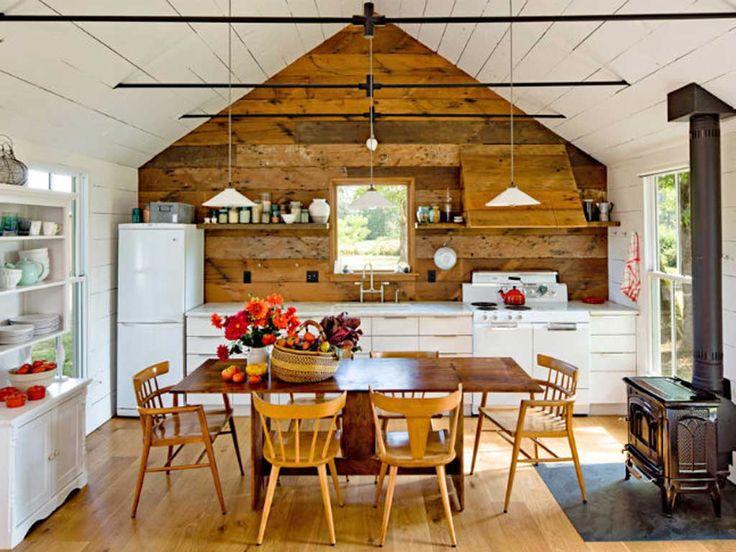 Dapur Putih Mungil yang Multifungsi