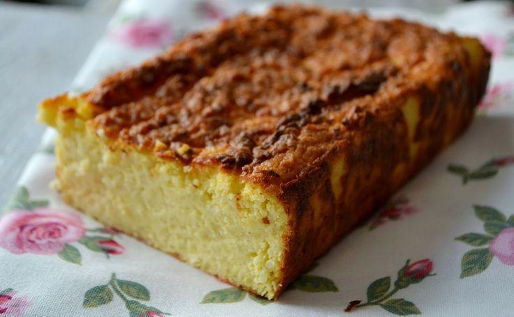 ciasto z kaszy jaglanej / kukurydzianej / płatków ryżowych - kasza, twaróg, jajko, 1/2 łyżeczki masła, piec,  jeść schłodzone
