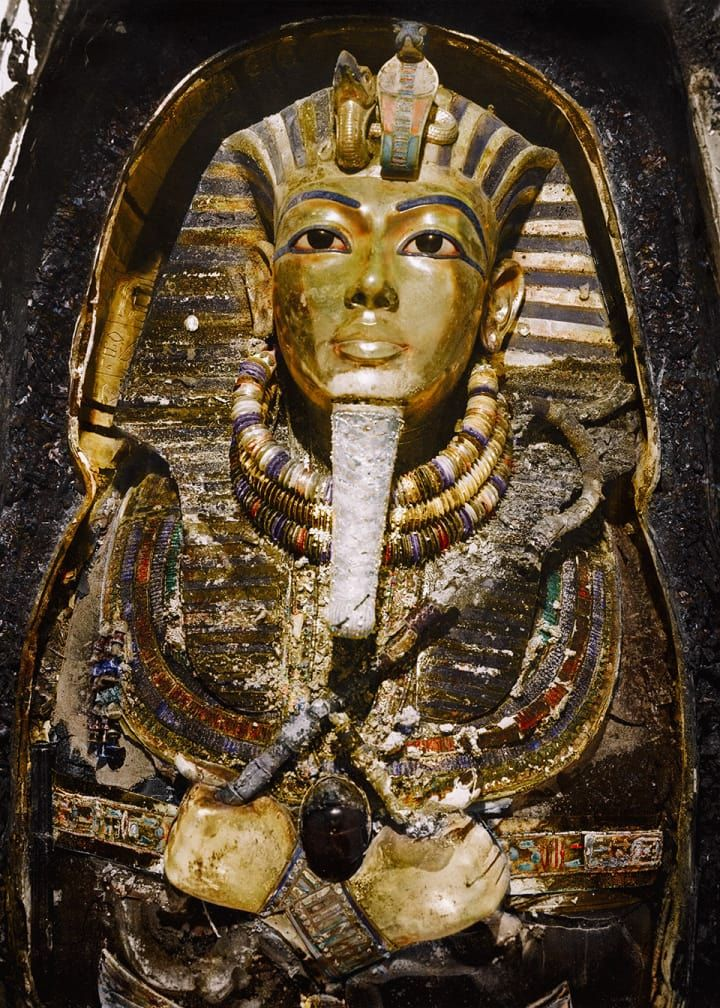 Awesome Photos Of The Discovery Of Tutankhamun's Tomb Have Been Brought To Life In Colour