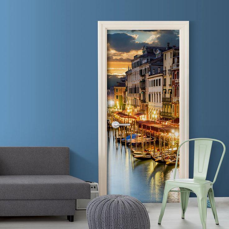 Tapeta na drzwi z widokiem na romantyczną Wenecję