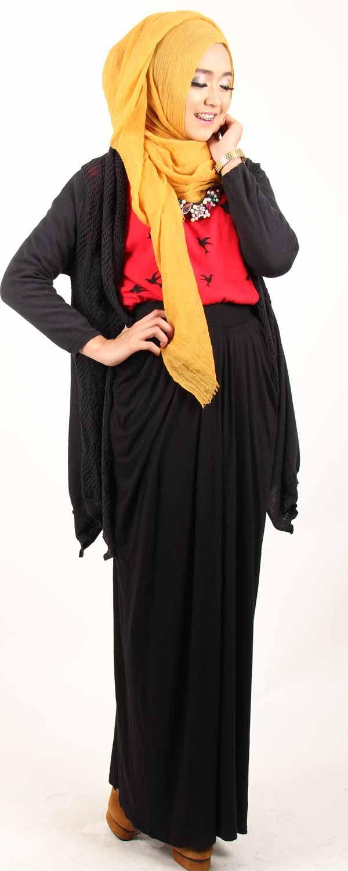 toko-baju-online-jual Lucunya Lexi Outer dipadu Maxi Skirt. Gaya Dini Djoemiko ini pas untuk kamu lho