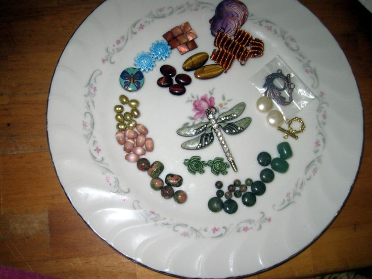 This is the bead soup I sent to my partner Dorothy Supri for the 2017 bead hoarders edition.