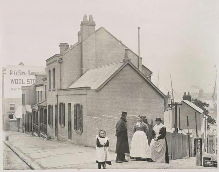 Windmill St in 1901 Ferry Lane,The Rocks,Sydney.A♥W