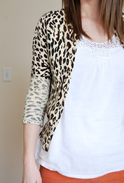 I need to sew more...so much you can do! I HATE long sleeves and it looks so simple to make 3/4 sleeves