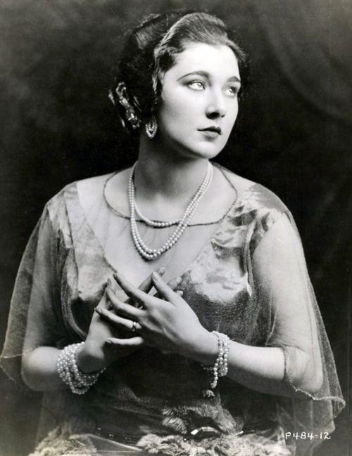 Actress Nita Naldi from 1922