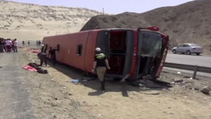At least 12 people have been killed in Peru when a coach in which they were travelling crashed in the northern province of Viru.  Nearly 30 others