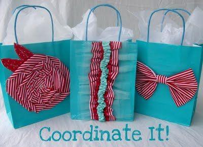 Cute diy gift bag ideas.: Gift Bags, Gift Wrapping, Gift Ideas, Diy Gift, Embellished Gift, Gifts, Wrapping Ideas, Fabric Embellished