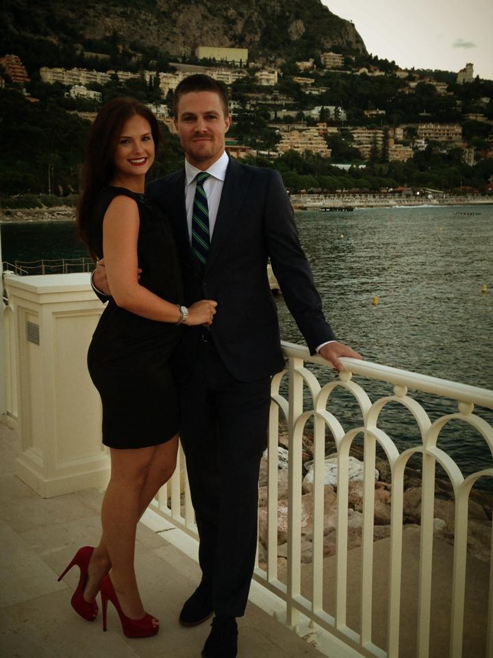 Stephen Amell & wife Cassandra   Stephen Amell   Pinterest ...