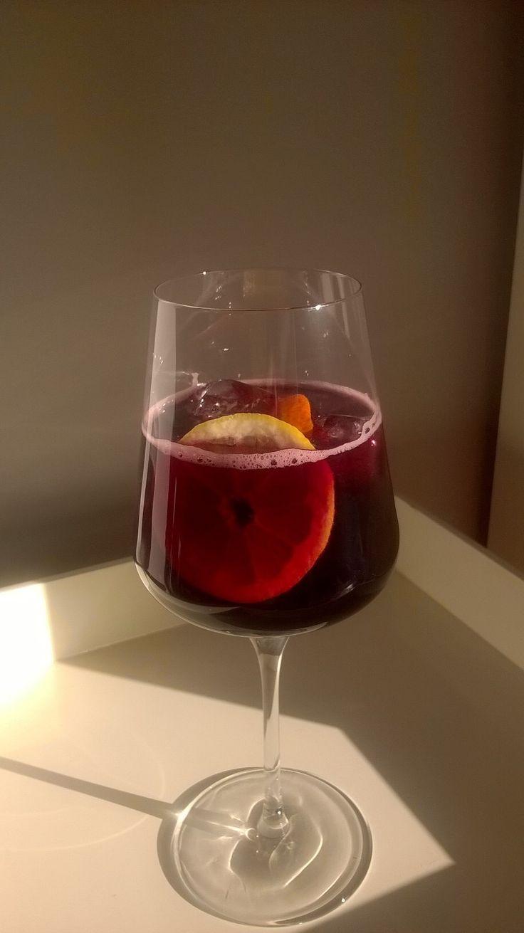 Lekker zomers drankje. Tinto! Ga naar de site voor het recept.