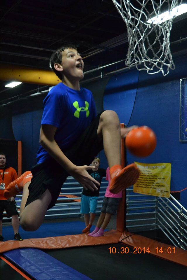 Underwood Middle School came for a visit to Sky Zone Omaha.. They showed us their skills in basketball, dodge ball, & crazy moves in the Foam Zone. After all that fun, they took breaks having Dippin' Dots & Icee's. You were all great! Come see us again! http://www.pinterest.com/TakeCouponss/sky-zone-sports-coupons/
