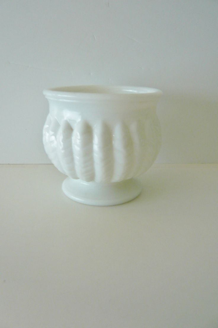 145 best vintage milk glass teamvintageusa images on pinterest milk glass footed bowl randall 1950s feather or leaf pattern by manyamoonsvintage on etsy reviewsmspy