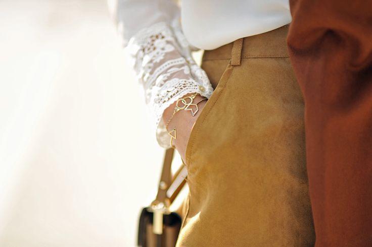 blouse-with-lace #lace #whiteblouse #minimalistjewellery