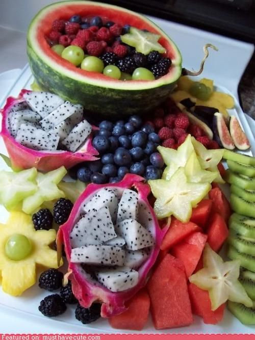 Using the watermelon and dragonfruit as bowls... GENIUS!