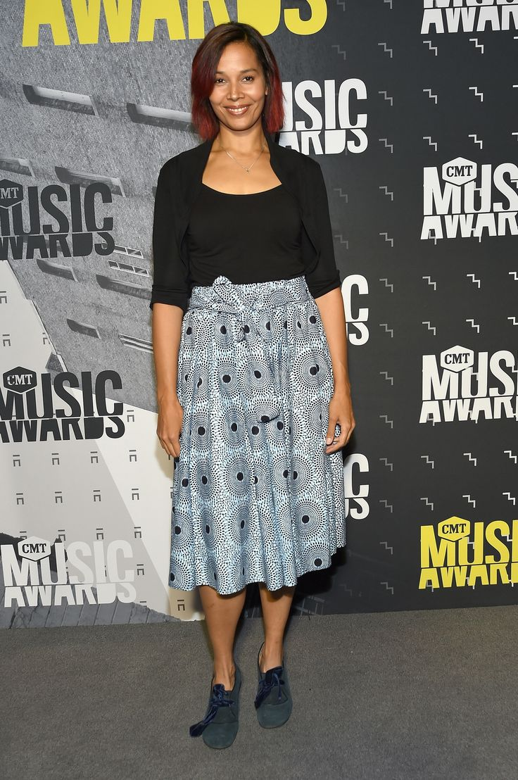 NASHVILLE, TN - JUNE 07: Musician Rhiannon Giddens attends the 2017 CMT Music awards at the Music City Center on June 7, 2017 in Nashville, Tennessee. (Photo by Rick Diamond/Getty Images for CMT) via @AOL_Lifestyle Read more: https://www.aol.com/article/entertainment/2017/06/07/cmt-music-awards-2017-red-carpet-arrivals/22131455/?a_dgi=aolshare_pinterest#fullscreen
