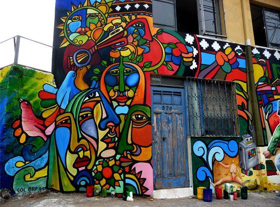 Brigada Ramona Parra en encuentro de muralistas en Valparaiso, Chile