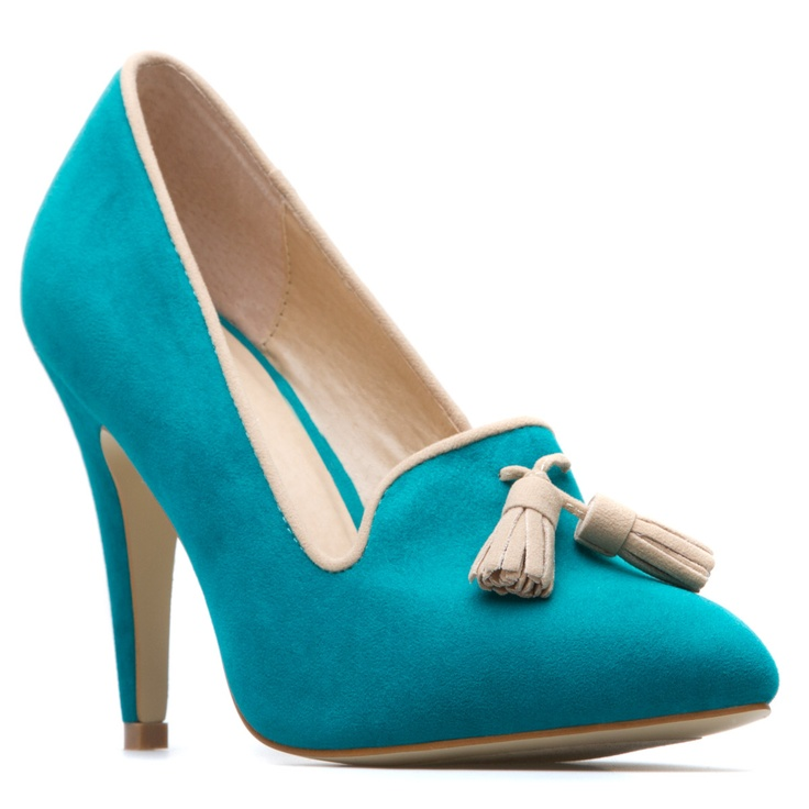 Teal pump. Classy with a quirky color