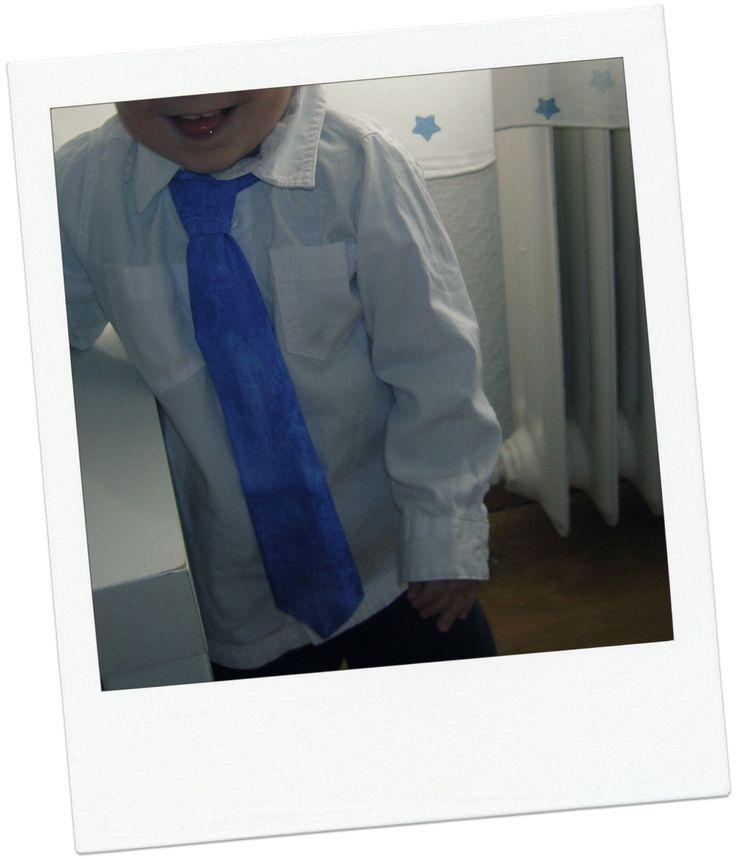Tutorial con patrones. Cómo hacer una corbata para niños. Fácil fácil.