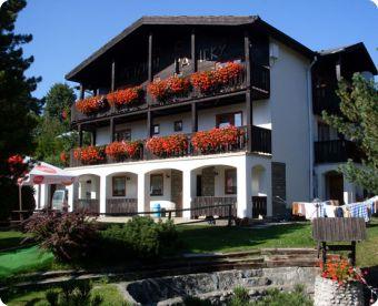 Vysoké Tatry jsou na jaře kouzelné, tak zažijte krásný 3 denní rodinný pobyt ve Vysokých Tatrách za skvělou cenu 1144 Kč.