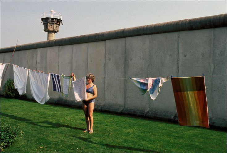 """From the series """"1986: Life along the Berlin Wall"""", photo by Patrick Piel."""