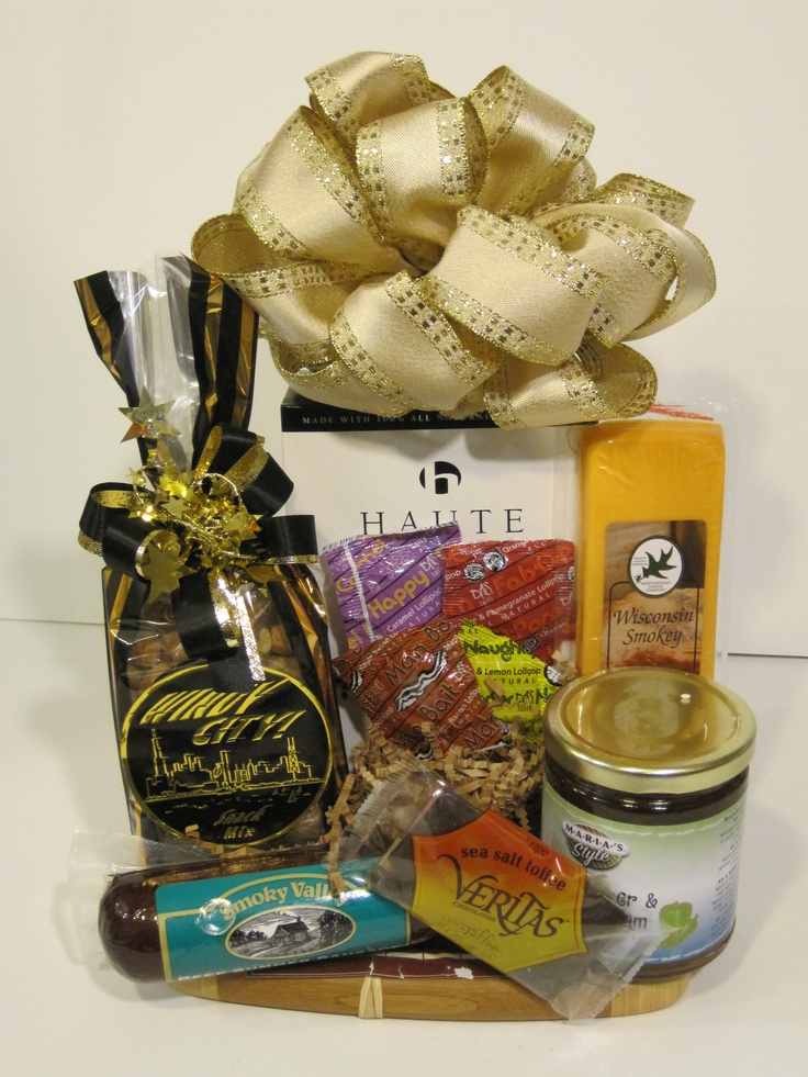 14 best chicago gift baskets images on pinterest gift basket gift midwest gourmet basket with windy city mix crackers wisconsin cheese sausage locally gourmet basketsgift basketschicago negle Gallery